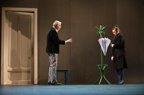 'Genul acuzativ' a avut premiera la Oradea. Când mai poţi vedea tragicomedia semnată de Mimi Brănescu(FOTO)