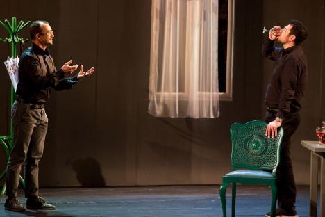 Teatrul Regina Maria, invitat la festivaluri cu 'Genul acuzativ' şi spectacole pentru copii