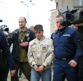 Suspectul principal în cazul crimei din Timiş a fost extrădat (FOTO)