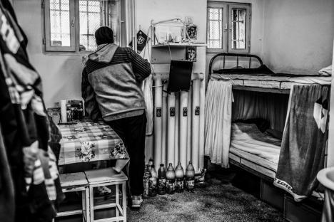 Fotografii din închisorile ţării, expuse la Galeria Euro Foto Art. Vezi imaginile din Penitenciarul Oradea! (FOTO)