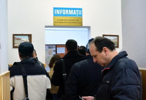 Programul cu publicul de la Serviciul Permise şi Înmatriculări a fost redus