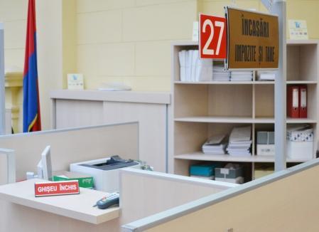 Primăria Oradea îşi suspendă vineri programul de lucru cu publicul pentru pregătirea alegerilor