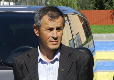 Judecat pentru că a decontat lucrări fictive, fostul primar din Sârbi, Nicolae Ghiuro, a încasat 4 ani de puşcărie