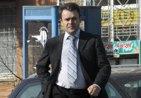 Sentinţă definitivă: Prim procurorul Parchetului Beiuş, Gligor Sabău, merge în arest la domiciliu