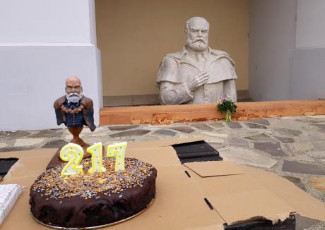 Emanuil Gojdu, omagiat cu tort şi flori la împlinirea a 217 ani de la naşterea sa (FOTO/VIDEO)