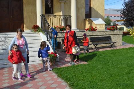 Grădiniţa 'italiană': Pentru a ajuta comunitatea din cartier, biserica greco-catolică din Velenţa a amenajat o grădiniţă modernă şi foarte căutată (FOTO)