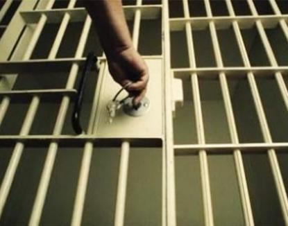 Abia eliberat din închisoare, şi-a violat pentru a doua oară mama!