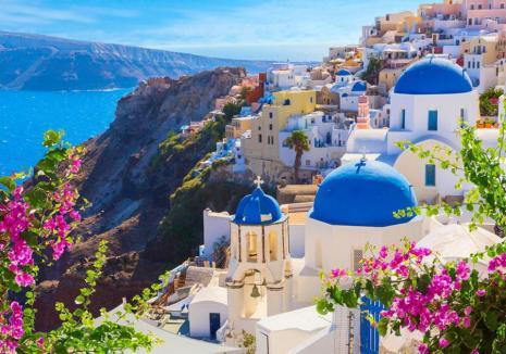 Vești bune pentru iubitorii de vacanțe: Grecia renunță la carantina obligatorie pentru turiștii din UE şi din alte 5 ţări