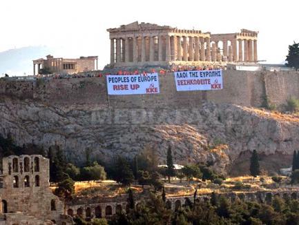 Greva camionagiilor blochează turiştii români în Grecia
