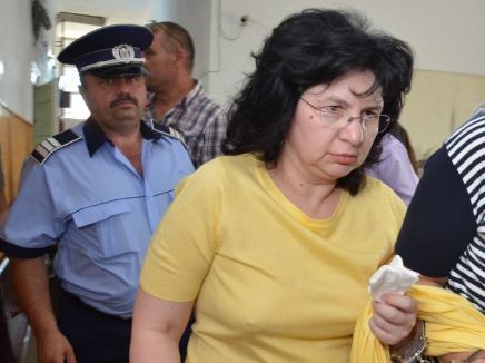 """Încă un medic după gratii! Dr. Anca Grigorescu, 2 ani de închisoare cu executare în """"dosarul şpăgilor"""" de la Casa de Pensii"""