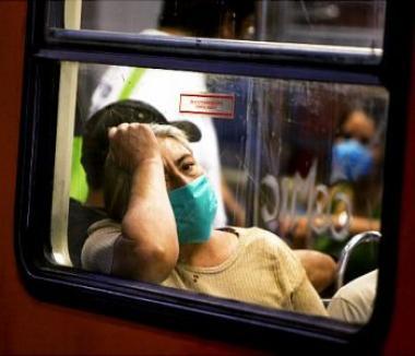 Boc îi sfătuieşte pe români să fie propriii lor 'agenţi anti-gripă'