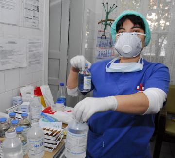 Doi orădeni, dintre care o elevă de liceu, s-au îmbolnăvit cu gripa AH1N1, dar s-au vindecat rapid