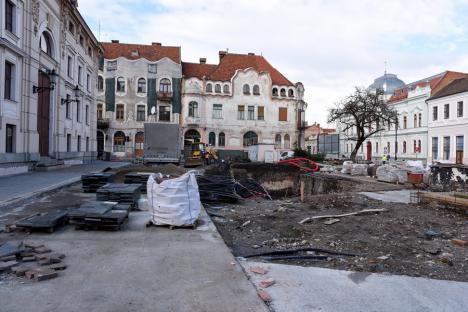'Săpaţi' de meşteri: Reabilitarea Pieţei Ferdinand din Oradea, prelungită din cauza unei firme incapabile să termine lucrările la timp (FOTO)
