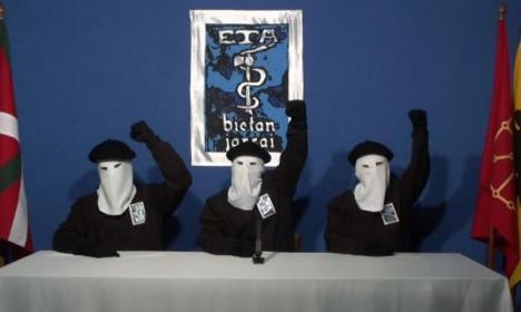 Teroriştii care se 'omoară' singuri: Grupul separatist basc ETA şi-a anunţat dizolvarea!