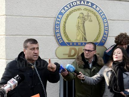 DIICOT Oradea: O reţea de traficanţi de persoane coordonată de un turc încasa între 8.000 și 10.000 euro de la fiecare sirian călăuzit până în Austria