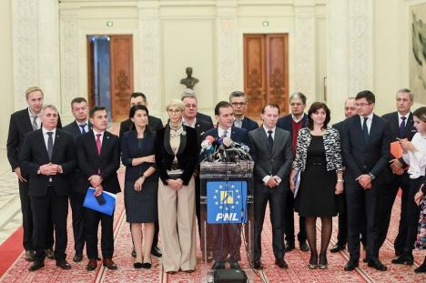 Adio, PSD! Liberalii vin la putere, Guvernul Orban a strâns suficiente voturi în Parlament