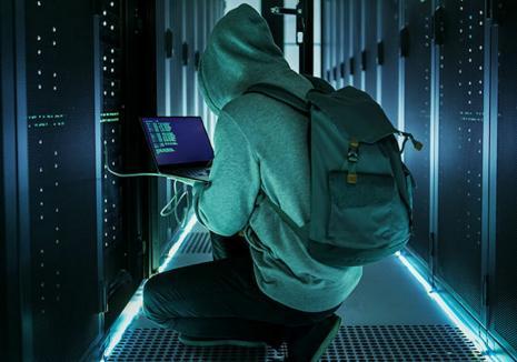 Vânătoarea de hackeri: Anunţul provocator dat de un antreprenor din Oradea pe internet