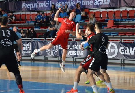 Victorie clară pentru handbalişii de la CSM Oradea, în confruntarea cu ultima clasată