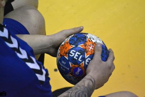 Handbaliştii orădeni de la CSM au învins şi Universitatea Craiova în turneul de la Sighişoara