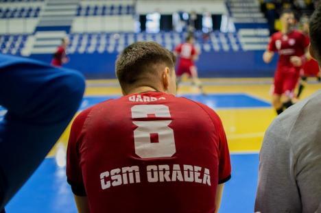 Handbaliştii de la CSM Oradea se pregătesc acasă şi sunt sceptici în ce priveşte reluarea campionatului