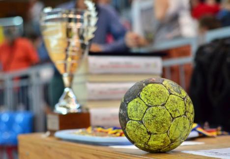 Cele mai bune echipe din România și Ungaria vin la Oradea, la Trofeul Centenar la handbal feminin
