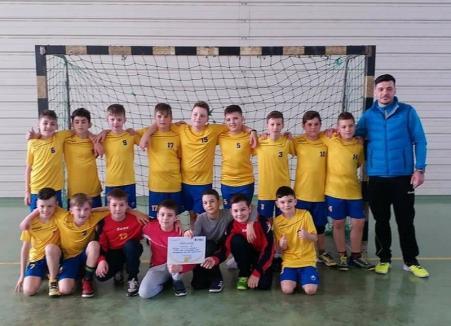 Pe primul loc! Copiii de la LPS Bihorul s-au calificat la turneul semifinal al Campionatului Naţional de Minihandbal