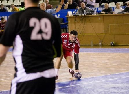 Handbaliştii de la CSM Oradea s-au impus cu scorul de 30-28 în meciul de la Cluj, cu Universitatea (FOTO)