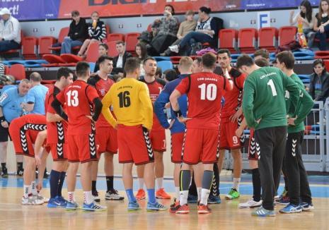 Handbaliştii de la CSM Oradea joacă duminică la Satu Mare, cu ADEP