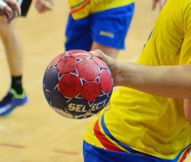 'Fault' la echipa de handbal CSM: Sportivul Andrei Alex Păuna a fost operat şi va lipsi 6 luni