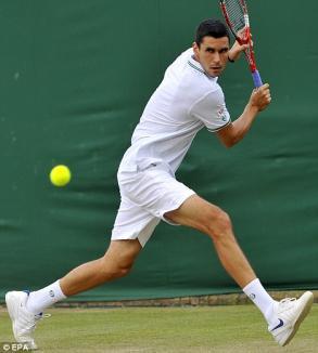 Hănescu, amendat după ce a înjurat şi a scuipat la Wimbledon (VIDEO)