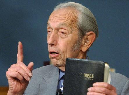 Un american de 89 de ani creează isterie: Sâmbătă vine sfârşitul lumii!