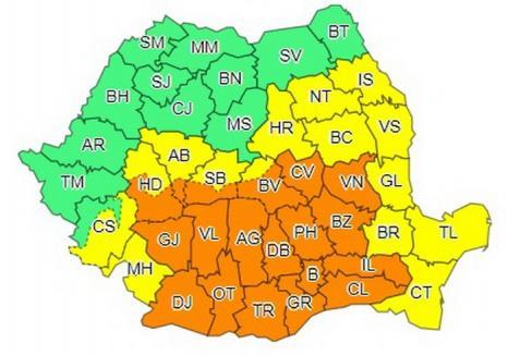 Mai bine de jumătate de ţară, sub coduri portocaliu şi galben de ploi abundente şi instabilitate atmosferică