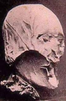 Craniul regelui Henric IV, descoperit la un colecţionar pensionar