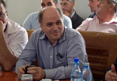 Primarul PSD din Sârbi, Gavril Herman, respinge acuzaţiile că ar fi înregistrat ilegal flotanţi în comună