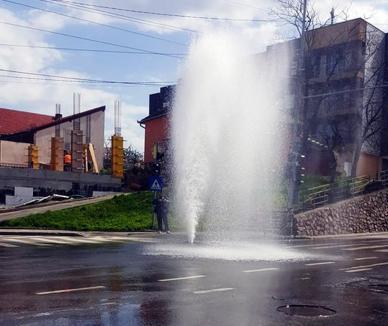 Jocuri de apă: Un capac de hidrant defect a umplut cu apă Bulevardul Cantemir