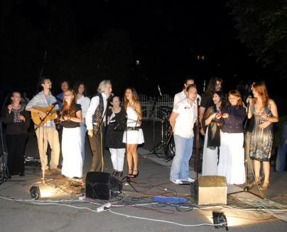 """Mesajul păcii cântat, azi, la Oradea în concertul """"Give peace a chance"""""""