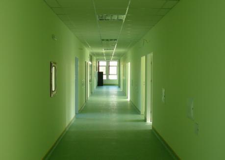 Strategi de 2 forinţi: Proiectul strategic pe sănătate al Bihorului are probleme serioase