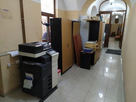 """""""Ca după război"""": Cum a găsit Bolojan sediul CJ Bihor după plecarea lui Pásztor şi Mang (FOTO)"""