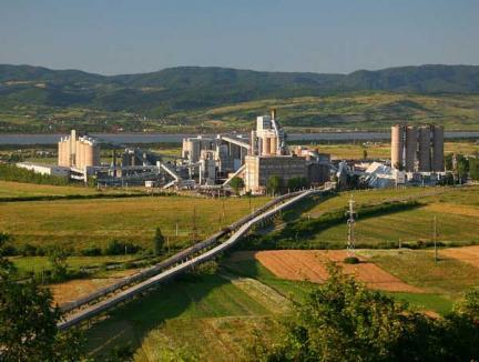 Holcim investeşte 28 milioane euro pentru modernizarea fabricii de ciment din Aleşd