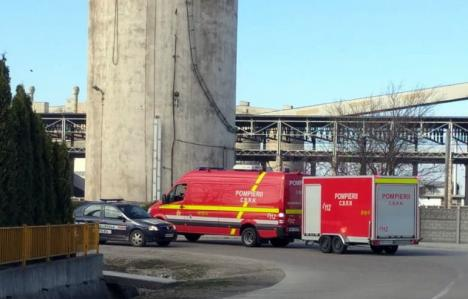 Radiaţii la Holcim Aleşd: Un camion cu deşeuri municipale, dar toxice, a mobilizat autorităţile (VIDEO)