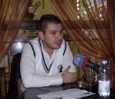 Horea Vuşcan somează PNL şi PSD să spună ce au primit de la UDMR în schimbul segregării teatrelor