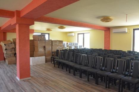 Kitsch de lux: Administrația Bazinală de Apă Crișuri a băgat un munte de bani publici într-un hotel… nefuncțional (FOTO)