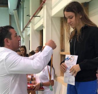 Nouă medalii pentru înotătorii de la Crişul Oradea la Cupa Someşul de la Beclean