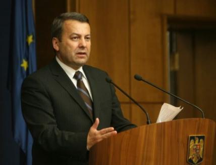 Ministrul Finanţelor către Cseke: E uşor să demisionezi!