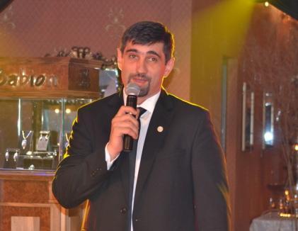 """Eroul Casanova: Medicul Sorin Ianceu se hărţuieşte cu un binşan care l-a prins cu nevasta pe """"acoperişuri"""""""