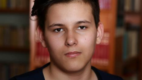 Adolescentul care a căzut victimă în accidentul de la Tileagd alături de bunici a murit. Inima lui bate în pieptul unui alt băiat, din Germania (FOTO / VIDEO)