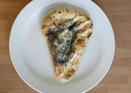 Chipul lui Iisus, pe o felie de pâine