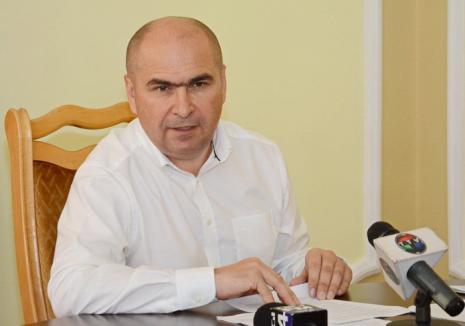 Faceţi loc teraselor! Primarul Ilie Bolojan vrea să interzică magazinele second hand şi să limiteze la 30 kilometri pe oră viteza maşinilor în centrul Oradiei
