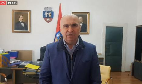 Primarul Ilie Bolojan: De marţi, locuitorii din Oradea şi Zona Metropolitană vor putea cumpăra măşti cu maximum 3 lei bucata din farmacii (VIDEO)