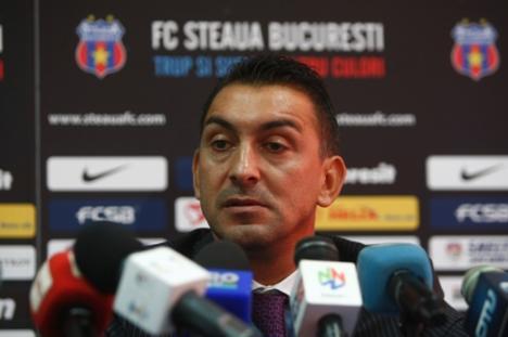 Ilie Dumitrescu părăseşte Steaua, din cauza suporterilor